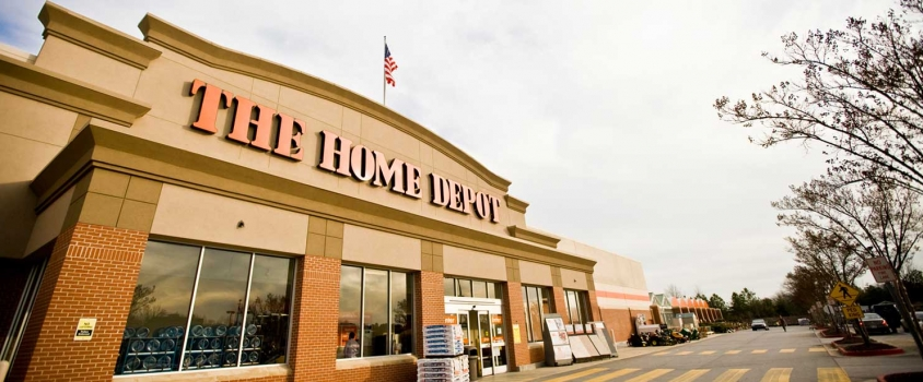 Home Depot Offers Investors 2.2% Dividend Yield, 20%-Plus One-Year Total Return (HD)