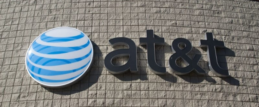AT&T Rewards Shareholders With 6.2% Dividend Yield (T)
