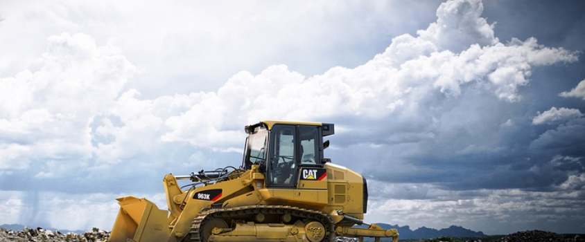 Caterpillar Rewards Shareholders with a 2.6% Dividend Yield and 25 Consecutive Annual Dividend Boosts (CAT)