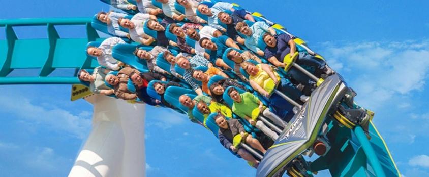 Cedar Fair's Share Price Takes Roller Coaster Ride, Dividend Distribution Yields 5.5% (FUN)