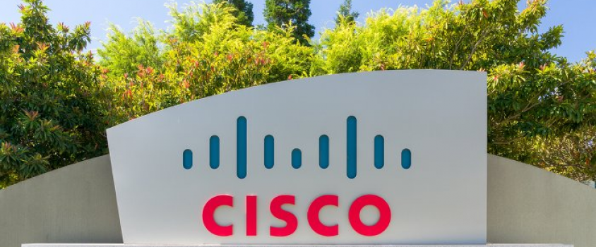 Cisco Systems Offers 3.1% Dividend Yield, Positive One-Year Returns Amid Declining Markets (CSCO)