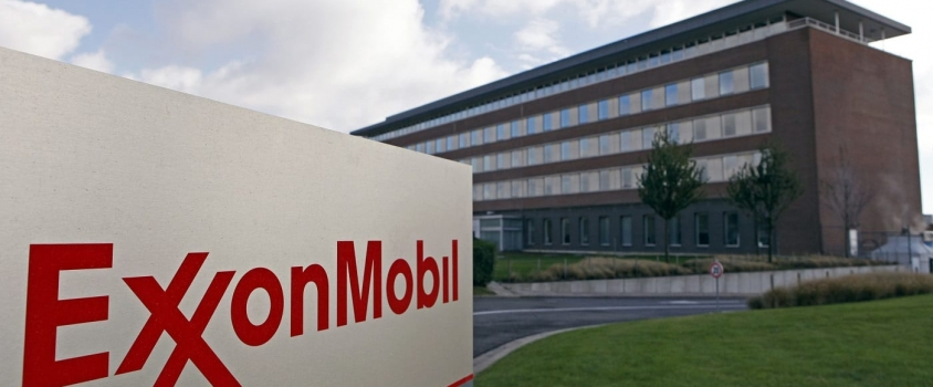 Exxon Mobil Offers 34 Years of Dividend Hikes and 3.7% Yield
