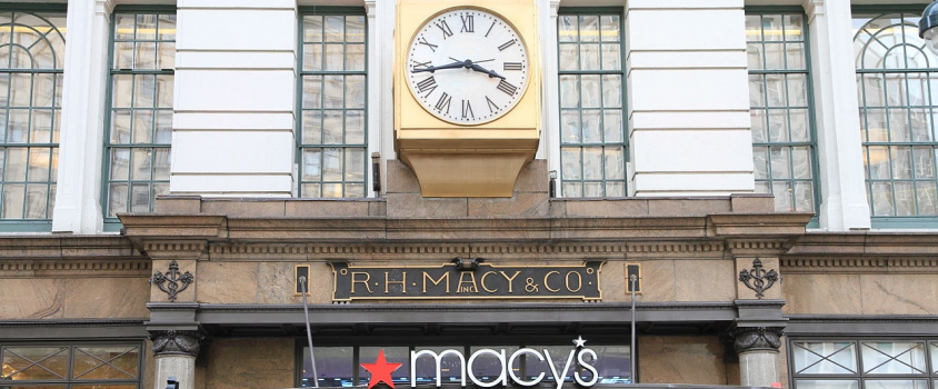 Macys Offers Shareholders 4.3% Dividend Yield, Nearly 60% One-Year Total Return (M)