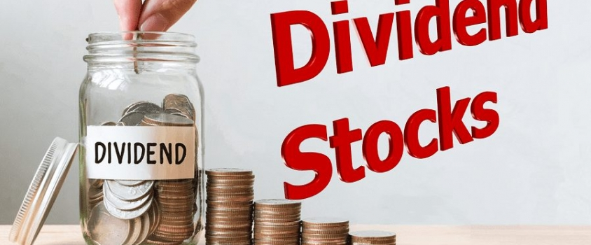 5 Dividend Stocks with 10%-Plus One-Year Total Return Despite Market Decline